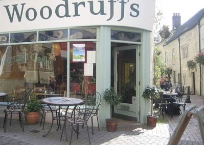 Woodruffs Organic Cafe